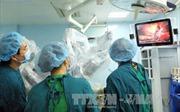 Gắp thành công chiếc xương cá nằm trong cổ bệnh nhân suốt 3 tháng