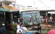 Tông xe liên hoàn tại Đắk Nông khiến nhiều người bị thương