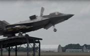 Xem chiến đấu cơ F-35 luyện xuất kích từ 'cầu nhảy' tàu sân bay