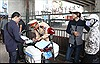 Xử lý mũ bảo hiểm rởm: Trước mắt là tuyên truyền