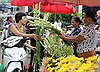 Chợ hoa Quảng Bá  tấp nập mùa  Vu lan
