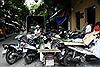 Hà Nội tăng phạt xe dừng đỗ dưới lòng đường