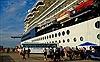 Tháo gỡ thủ tục hành chính cho khách du lịch tàu biển