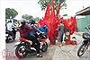 Mỏi tay bán cờ, áo cổ vũ U23 Việt Nam