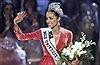 Người đẹp cao 1,66m đăng quang Hoa hậu Hoàn vũ