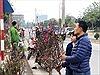 Chiều 30 Tết: Người Hà Nội thảnh thơi sắm sửa đón năm mới