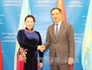 Chủ tịch Quốc hội Nguyễn Thị Kim Ngân chào xã giao Thủ tướng Kazakhstan