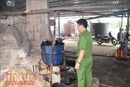 Phát hiện lò tái chế nhớt 'lậu' chuyên cung cấp cho các công ty dầu nhờn tại Long An