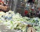 Phạt 155 triệu đồng cơ sở gom rau bãi rác làm... cải bắc thảo muối