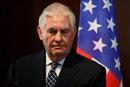 Thế giới tuần qua: 'Bão' nhân sự tấn công Nhà Trắng; Anh-Nga đối đầu ngoại giao và sự ra đi của nhà thiên tài vật lý