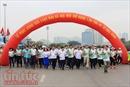Gần 8.000 người chạy hết mình hưởng ứng Ngày chạy Olympic tại Hà Nội