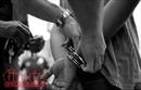 Bắt nhóm đối tượng nổ súng, ném 'bom xăng' để đòi nợ ở Hà Nội