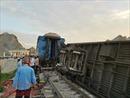 Triệu tập 2 nhân viên gác chắn để điều tra vụ lật tàu sau khi đâm vào xe tải ở Thanh Hoá
