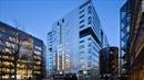 Tòa nhà với mỗi tầng trị giá 100 triệu USD