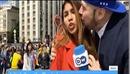 World Cup 2018: Fan sàm sỡ vòng 1, cưỡng hôn nữ phóng viên xinh đẹp tác nghiệp ở World Cup
