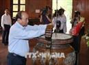 Thủ tướng Nguyễn Xuân Phúc dâng hương tại Khu Di tích Kim Liên
