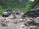 Nghệ An: Sạt lở đất đá gây ách tắc Quốc lộ 7