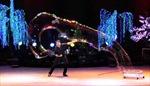Chiêm ngưỡng màn trình diễn bong bóng khổng lồ của Fan Yang