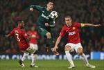 """Ronaldo bóp nát trái tim """"Quỷ đỏ"""""""