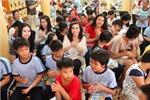 Hoa hậu các Dân tộc Việt Nam làm từ thiện