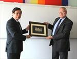 Việt Nam trao đổi kinh nghiệm quản lý viễn thông với Anh