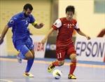 Chung kết Futsal châu Á: Tuyển Việt Nam lọt tứ kết