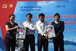 Thăm, tặng quà các ngư dân huyện đảo Lý Sơn
