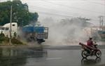 Hà Nội: Xe chở chất lỏng nghi axit làm bỏng hàng chục người
