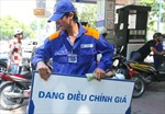 Giá xăng tăng 330 đồng/lít