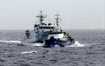 Tàu Trung Quốc dàn hàng, hung hãn cản tàu Việt Nam