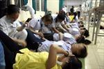 TP.HCM: 200 công nhân dệt ngộ độc bữa tối