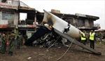 Máy bay vận tải lao vào tòa nhà thương mại
