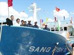 Bàn giao tàu cá vỏ thép cho ngư dân
