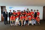 Ngân hàng NongHyup Hàn Quốc tài trợ cho cô dâu Việt về thăm quê