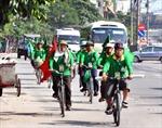 Người cao tuổi Hà Nội đạp xe kết nối Cây di sản