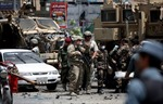 Đánh bom liều chết đoàn xe NATO tại Afghanistan