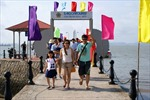 Vịnh Hạ Long phát triển du lịch gắn với bảo tồn di sản