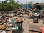 Mưa gió mạnh làm sập, tốc mái hơn 30 căn nhà