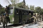Đánh bom liều chết đẫm máu xe chở lính Afghanistan