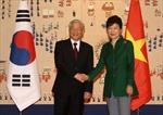 Tổng Bí thư Nguyễn Phú Trọng nói chuyện với các giáo sư, học giả sinh viên Hàn Quốc