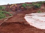 Khắc phục kịp thời sự cố vỡ đê hồ thải quặng Bôxít Tân Rai