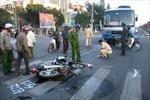 Xe máy kẹp ba tông ô tô, hai học sinh tử vong tại chỗ