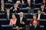 Thông qua thành phần Ủy ban châu Âu