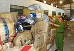 Tạm giữ lượng lớn hàng hóa vô chủ tại ga Hà Nội