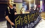 Người biểu tình Hong Kong lại đụng độ với cảnh sát