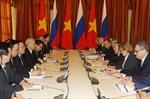 Tổng Bí thư Nguyễn Phú Trọng hội kiến Thủ tướng Medvedev