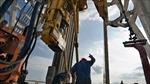 Giá dầu lao dốc tác động xấu đến kinh tế thế giới