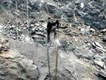 Nhà dân rung chuyển vì mìn nổ khai thác đá