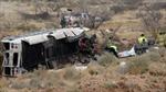 Mỹ: Xe tù bị tàu hỏa đâm nát, 10 người chết