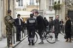 Pháp bắt giữ 12 người liên quan khủng bố